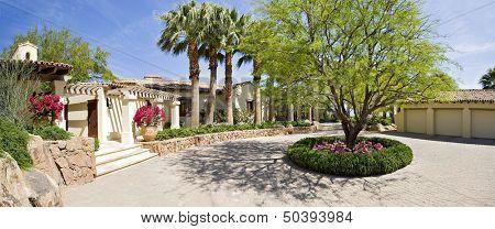Front entrance fa\x8Dade of luxury villa