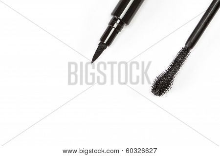 Cosmetic Eyeliner With Mascara Brush