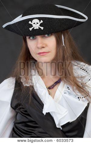 Retrato de menina em pirataria Hat Close-Up