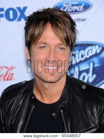 LOS ANGELES - FEB 20:  Keith Urban arrives to the American Idol Top 13 Finalists  on February 20, 2014 in West Hollywood, CA