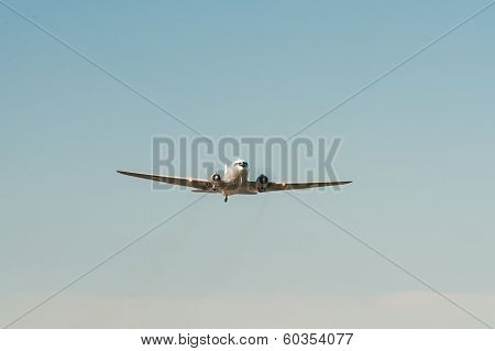 Vintage Airplane DC 3