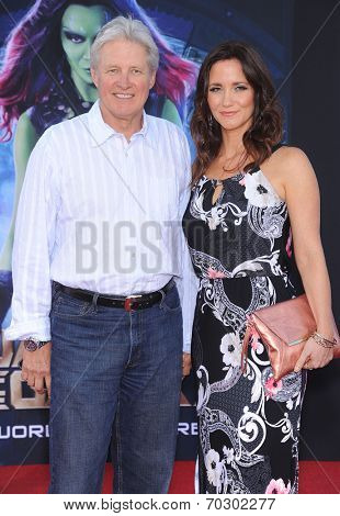 LOS ANGELES - JUL 21:  Bruce Boxleitner & Verena King arrives to the