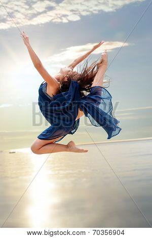 Elegant Rhythmic  Jump At Sunset