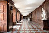 image of court room  - HAMPTON COURT - JPG