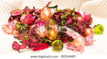 colored mixed bath balls