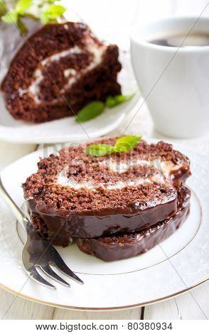 Chocolate Roll With Cream Filling
