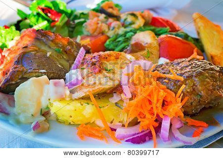 Stews And Side Dishes From A Variety Of Vegetables.