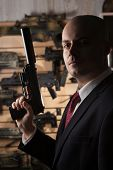 ������, ������: Bald Hitman With The Gun