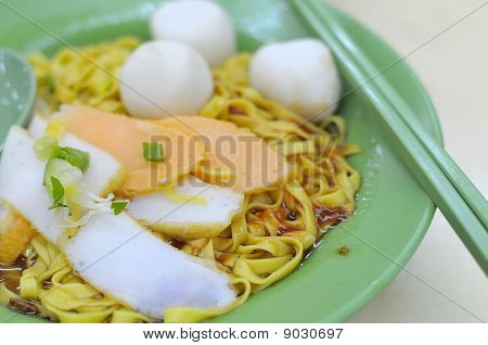 Oriental Fishball Noodles