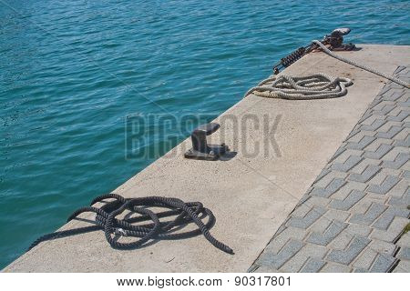 Mooring knobs and water