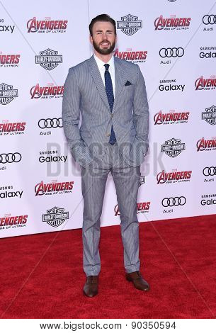 LOS ANGELES - APR 14:  Chris Evans arrives to the Marvel's
