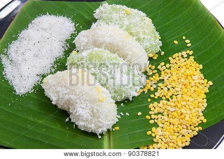 Close Up Mung Bean Rice - Crepe On Banana Leaves