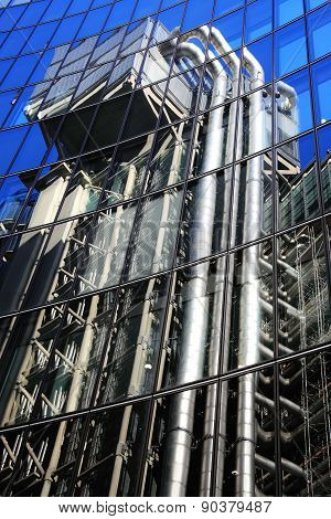 Reflection of the Lloyd's Building