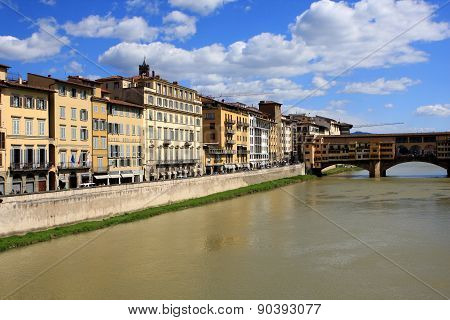 Arno river and old bridge, Florence