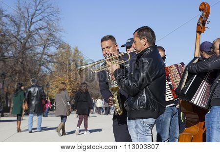 Swing Band Of Street Musicians Playing In Retiro Park