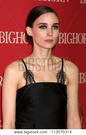 PALM SPRINGS - JAN 2:  Rooney Mara at the 27th Palm Springs International Film Festival Gala at the Convention Center on January 2, 2016 in Palm Springs, CA