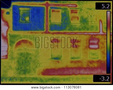 Leaking Facade Thermal Image Screen