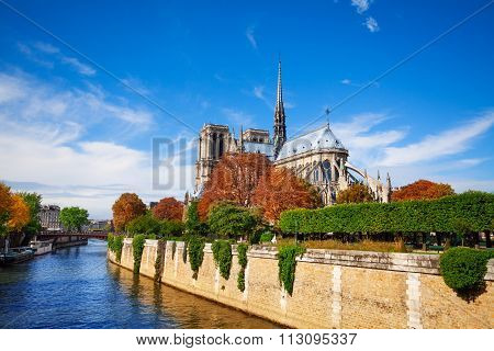 Notre Dame de Paris along the Seine river