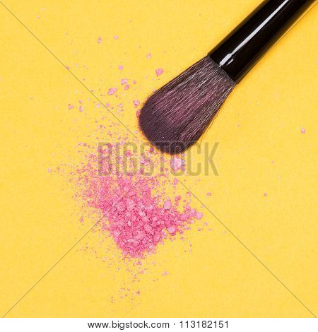 Makeup Brush With Crushed Powder Blush Pink Color