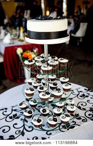 wedding cake made of cupcakes