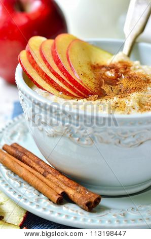 Oat Porridge With Apple,honey And Cinnamon.