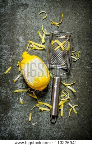 Clean The Lemon With A Cheese Grater. Lemon Zest.