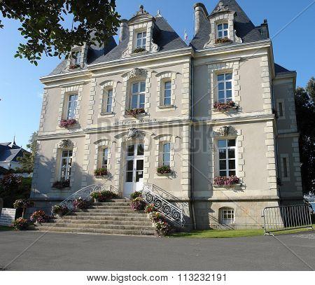 Hotel De Ville In France