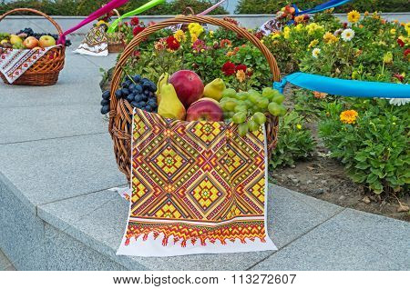 Basket Fruit