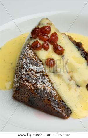 Christmas Plum Pudding With Custard