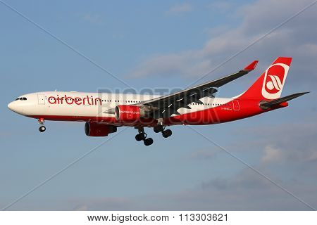 Air Berlin Airbus A330 Airplane Hamburg Airport