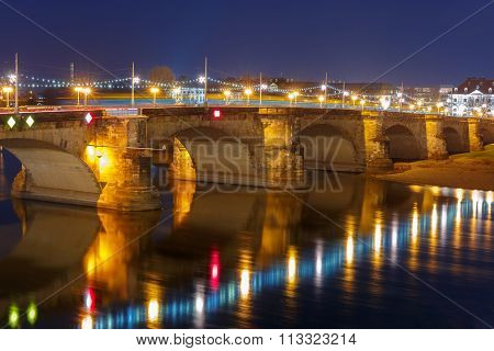 Augustus Bridge, Elba at night, Dresden, Germany