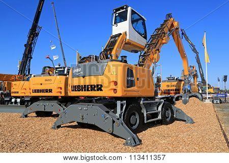 Liebherr LH22 Material Handling Machine