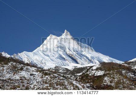 Long shot of the Manaslu mountain
