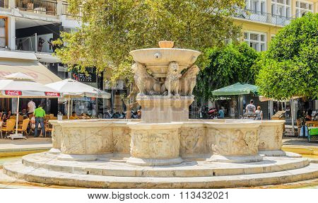 Old Morosini Fountain and cafes around it at Heraklion town on Crete island
