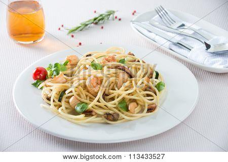 italian spaghetti with seafood