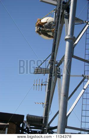 Trabajador de la torre de la telecomunicación