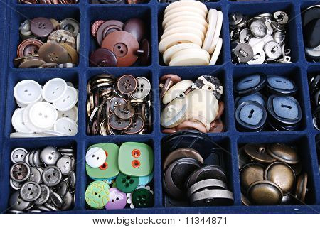 container with buttons.