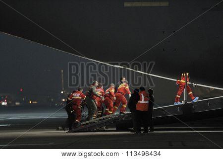 Romanian paramedics load 10