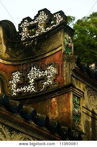 Chinese Eaves
