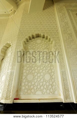 Wall finish with geometric pattern at Sultan Ismail Airport Mosque
