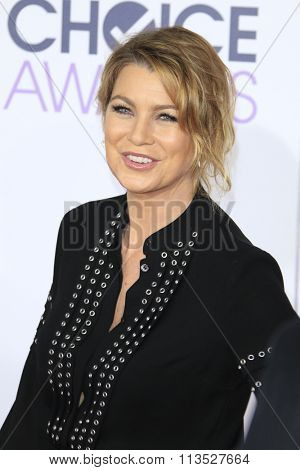 LOS ANGELES - JAN 6:  Ellen Pompeo at the Peoples Choice Awards 2016 - Arrivals at the Microsoft Theatre L.A. Live on January 6, 2016 in Los Angeles, CA