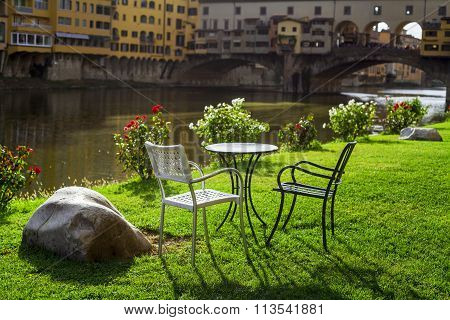 Relax Overlooking The Ponte Vecchio. Florence
