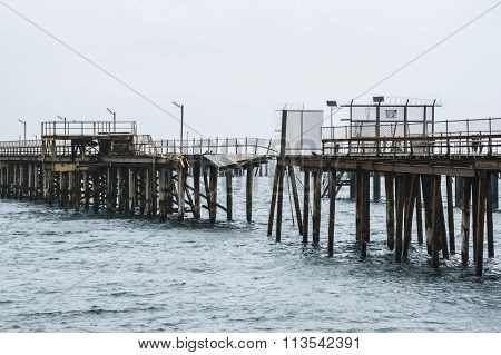 Breaking Point - Old Rapid Bay Jetty, Sa