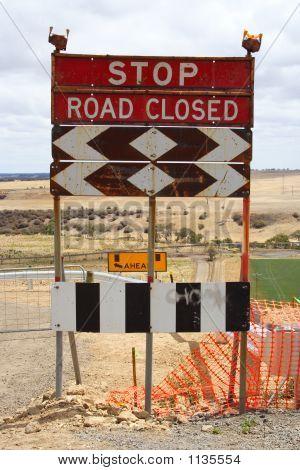 Stop Road Closed