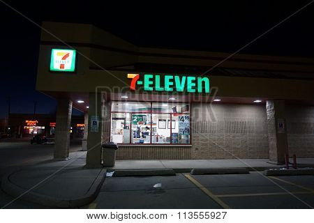 7-Eleven at Night