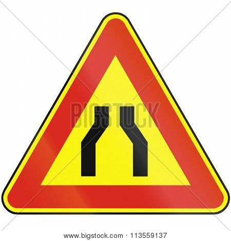 Road Sign Used In Slovakia - Road Narrows From Both Sides (as A Temporary Sign)
