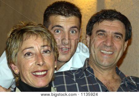 3 Happy People