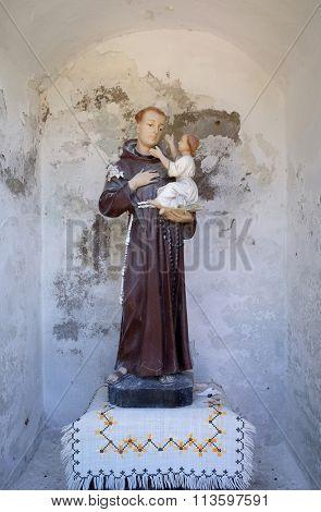 STITAR, CROATIA - AUGUST 27: Saint Anthony of Padua in the chapel in the village Stitar, Croatia on August 27, 2015