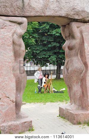 Artist creates on open-air. Kaliningrad