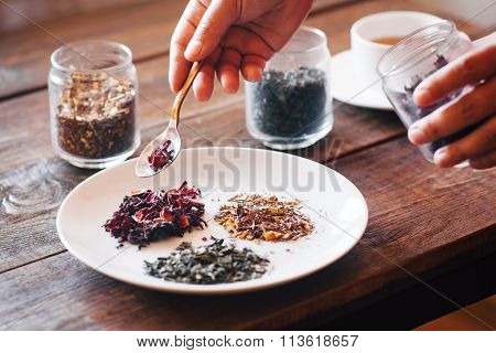 Several Sorts Of Chinese Herbal Tea
